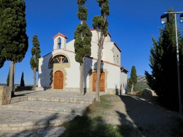 Ermita de Sant Josep i Forat de la Donzella amb nens