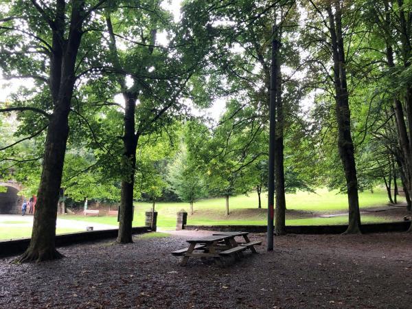Zona de pícnic Parc Mare de la Font Con niños