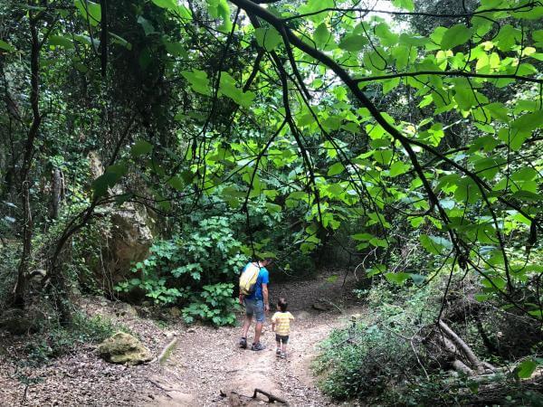 Ruta por el pantano de Foix, Castellet. Foto: ESCAPADAAMBNENS.COM
