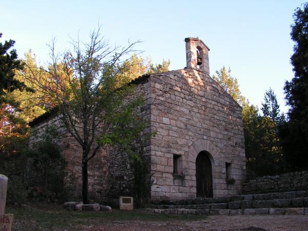 Ermita de Barrulles amb nens