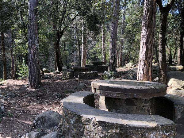 Área de ocio de la Casa Forestal de Castellfollit Con niños