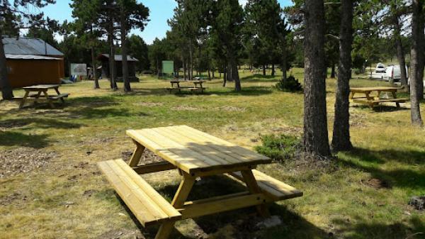 Pícnic a la zona de la de Fontanera amb nens