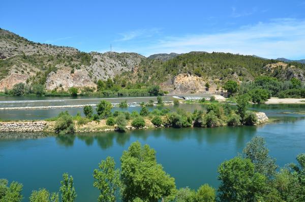 Donde el río Ebro sube y baja tres metros