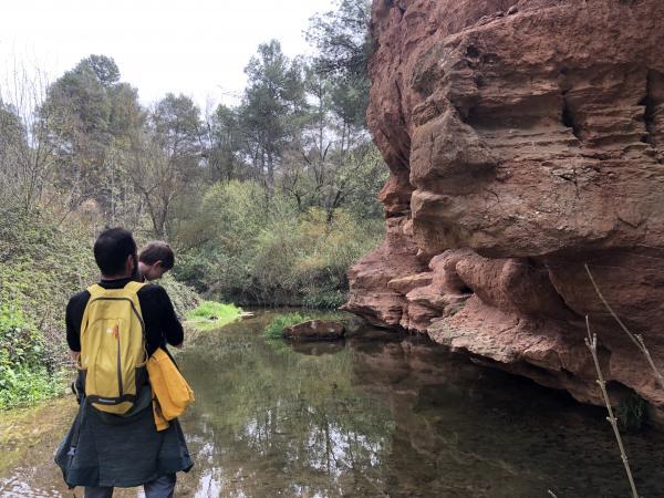 Los acantilados del río Anguera Con niños