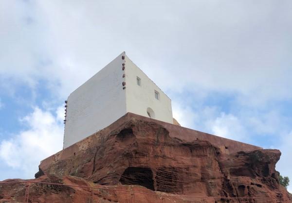 Ermita Mare de Déu de la Roca de Mont-roig del Camp Con niños
